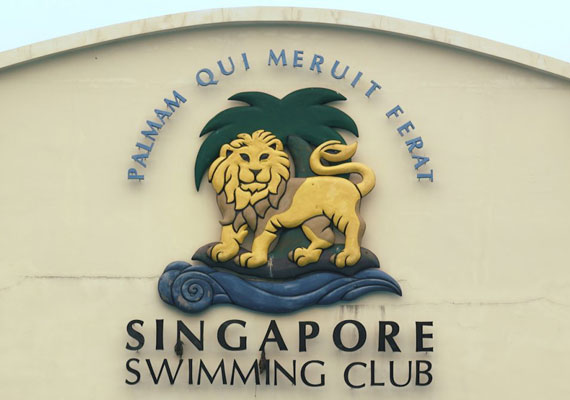 64_swimming
